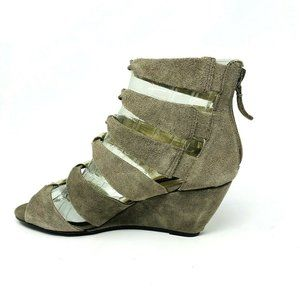 New Steve Madden Women's Gabbey Taupe Suede Wedge